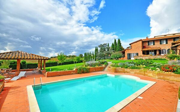Villa Solina, Villa for rent in Casamaggiore, Umbria