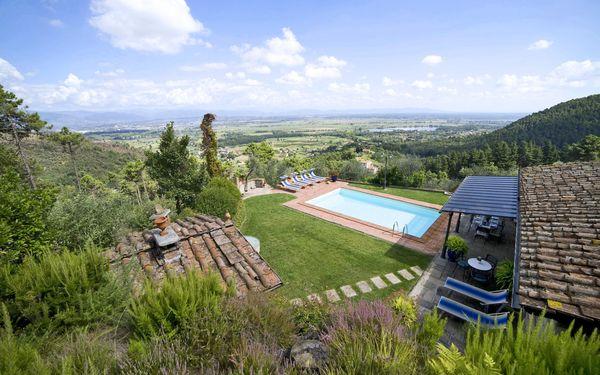 Al Mennucci, Villa for rent in Colle Di Compito, Tuscany