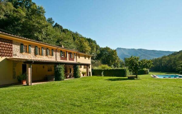 Alisso, Villa for rent in Culla, Tuscany