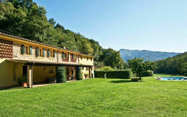 Alisso, Villa for rent in Culla, Tuscany