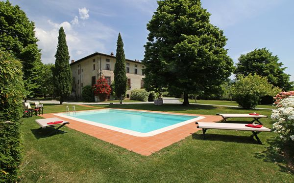Buonvisi, Villa for rent in Segromigno In Monte, Tuscany