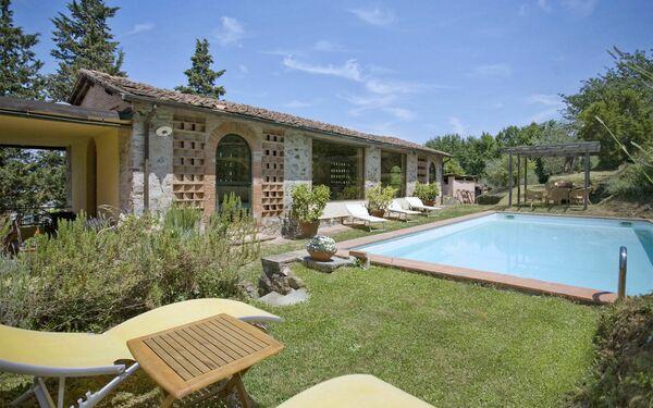 I Gelsomini, Villa for rent in Badia Cantignano, Tuscany