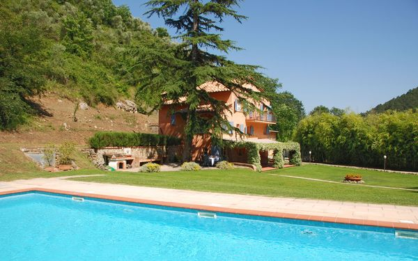 La Damigella, Villa for rent in Culla, Tuscany