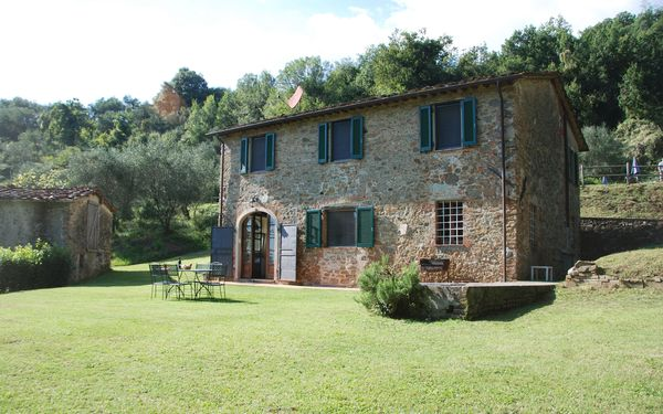 Magrini, Villa for rent in San Gennaro, Tuscany