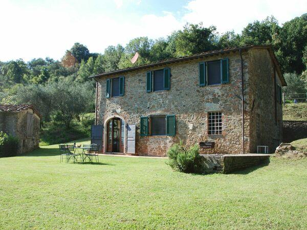 Magrini, Villa for rent in San Gennaro, Tuscany