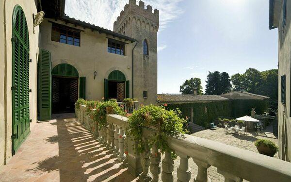 Villa Di Montelopio, Villa for rent in Montelopio, Tuscany