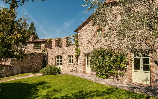 La Sorgente, Villa for rent in Santa Maria Albiano, Tuscany