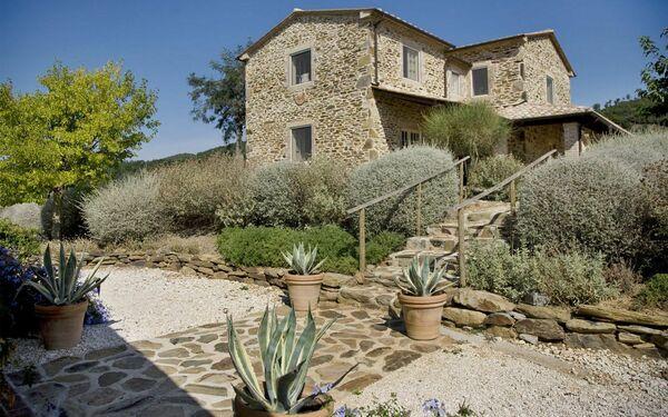 Villa Santa Barbera in affitto a La Campigliola