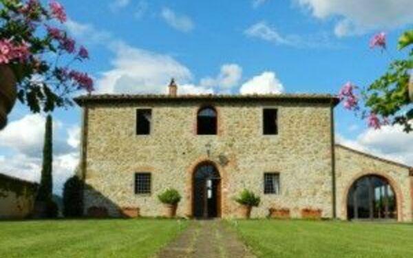 Villa Felciai, Villa for rent in Montebenichi, Tuscany