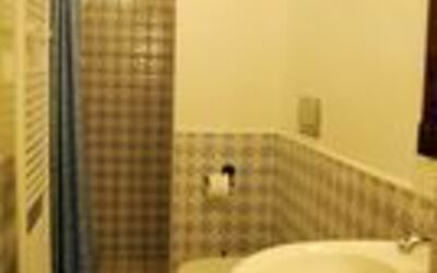 Nr.6: bathroom