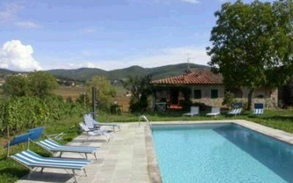 Villa Scerfio in  Pergine Valdarno -Toskana