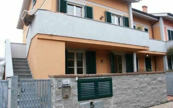 Casa Paola, Holiday Apartment for rent in Lucca, Tuscany