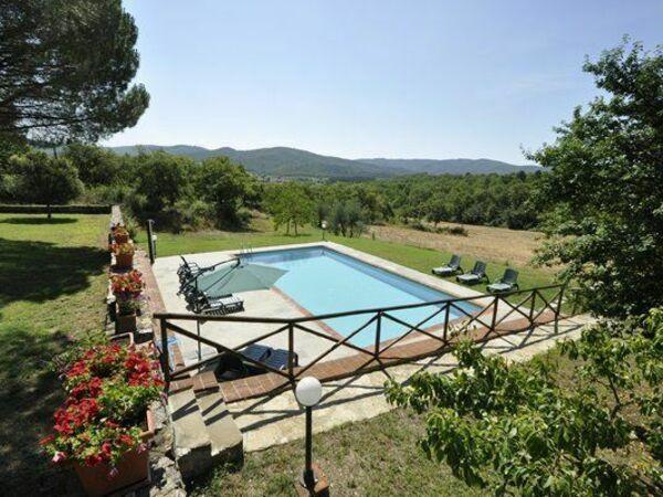 Casavecchia, Villa for rent in Badia Agnano, Tuscany