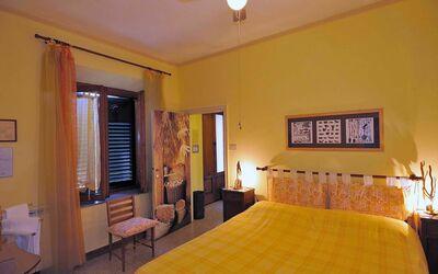 Fattoria Le Poggiola: gialla room