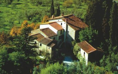 Fattoria Le Poggiola: aerial view of the house