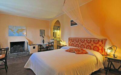 Fattoria Le Poggiola: arancione room gf