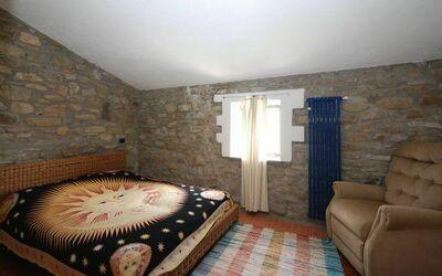 Dependance a: Bedroom 3/3