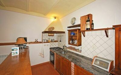 Il Casolare: Kitchen facilities: kitchen, oven, dishwasher, refrigerator.