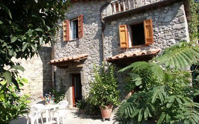 Fringuello, Holiday Apartment for rent in Pescaglia, Tuscany
