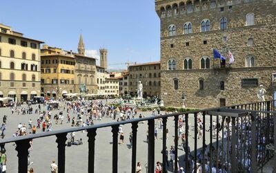 Vista Su Piazza Della Signoria: View from the balcony