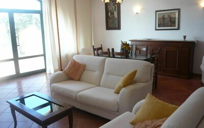 Villa Giulia Follonica: large living room