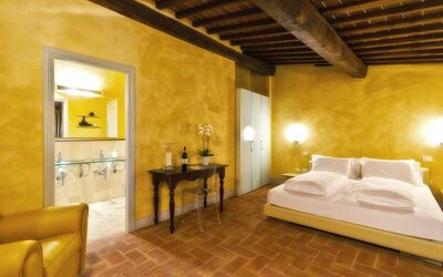 Villa Casanova: Attention to the furnishings and a passion for detail lends the rooms the rural yet sophisticated charm sought by discerning visitors.