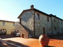 Le Gallozzole, Country House for rent in Monteriggioni, Tuscany