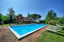 Toskánsko, San Giustino Valdarno, Villa Silvia