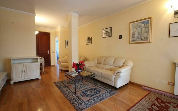 Appartamento Laura, Holiday Apartment for rent in Seravezza, Tuscany
