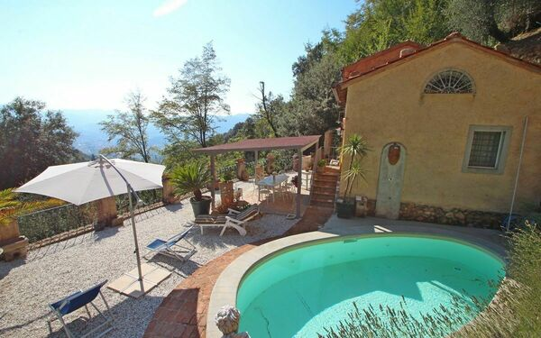 Landhaus Casa Rocca in  Camaiore -Toskana