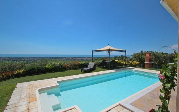Villa Il Sogno, Villa for rent in Strettoia, Tuscany