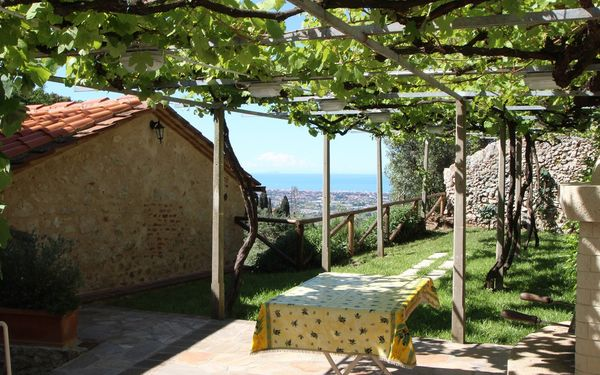 Casa Fabrizia, Holiday Home for rent in Monteggiori, Tuscany
