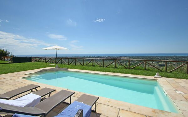 Villa Aurelia, Villa for rent in Strettoia, Tuscany