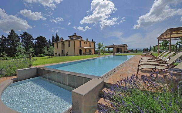 Villa Villa Insoglio in affitto a Montelopio