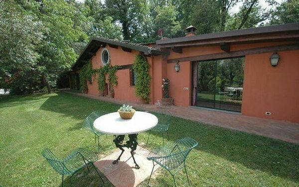 Villa Incenso, Villa for rent in Arliano, Tuscany
