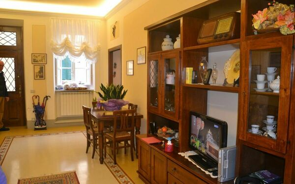 Rose, Holiday Apartment for rent in Lucca, Tuscany