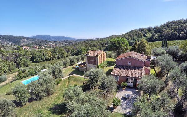 Le Pergole, Villa for rent in Lucca, Tuscany