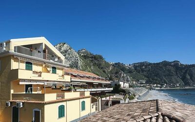 Alessia: Holiday Apartment Taormina