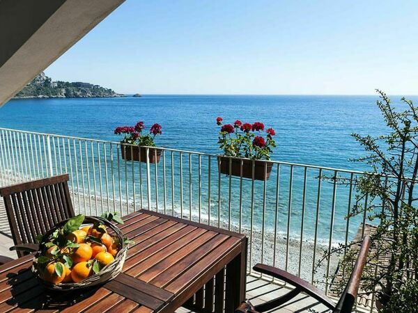 Alessia, Holiday Apartment for rent in Taormina, Sicily