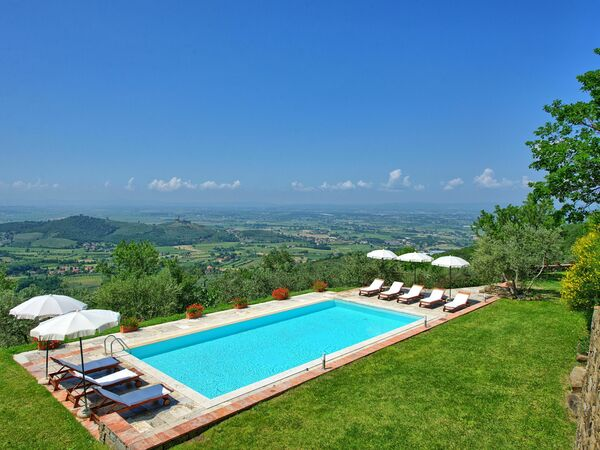 Villa Noceta, Villa for rent in Santa Lucia, Tuscany