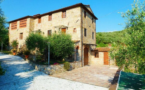 La Roccia, Holiday Home for rent in Pieve a Elici, Tuscany