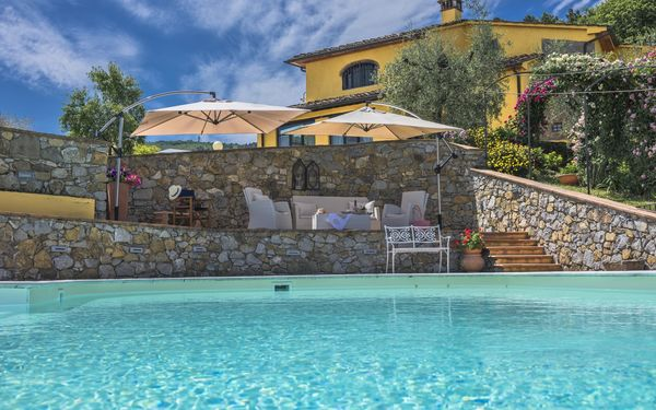 Villa Casalguidi, Villa for rent in Monsummano Terme, Tuscany