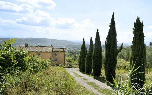 Teto, Villa for rent in San Gennaro, Tuscany