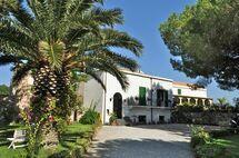Villa Elizabeth, Holiday Home for rent in Milazzo, Sicily