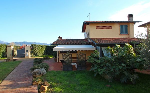 Casa Daniela, Holiday Home for rent in Pietrasanta, Tuscany