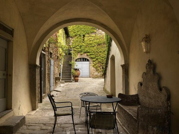 Appartamento Rosa, Holiday Apartment for rent in Reggello, Tuscany