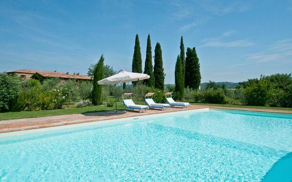 Villa Lorian, Villa for rent in Montalcino, Tuscany
