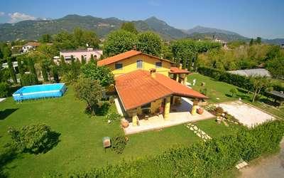 Villa Antonella: Mit Pool