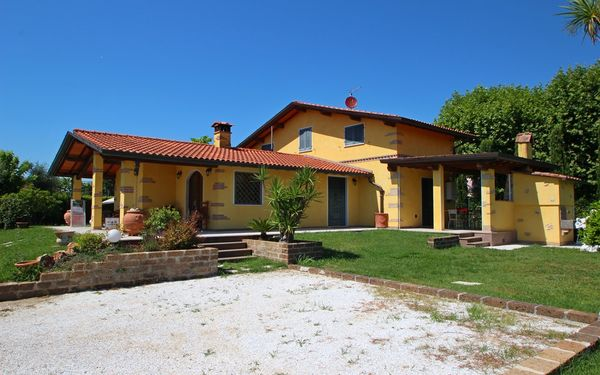 Toskánsko, Marina Di Pietrasanta, Villa Antonella
