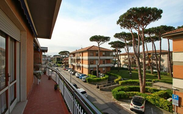 Appartamento Manara, Holiday Apartment for rent in Lido Di Camaiore, Tuscany